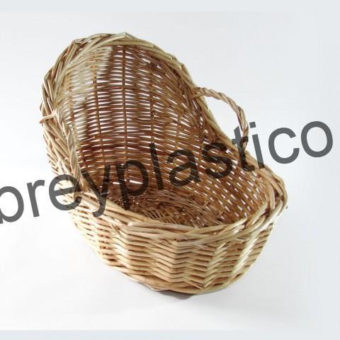 Cuna de mimbre de fabricación artesanal por MimPlas Artesanía