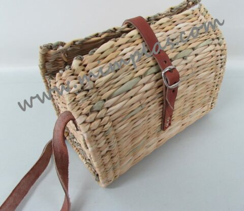 cesta de mimbre rectangular